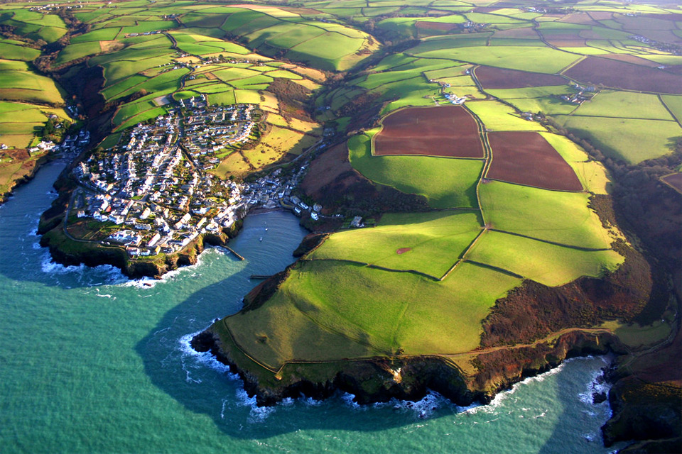 port-isaac-england-from-above