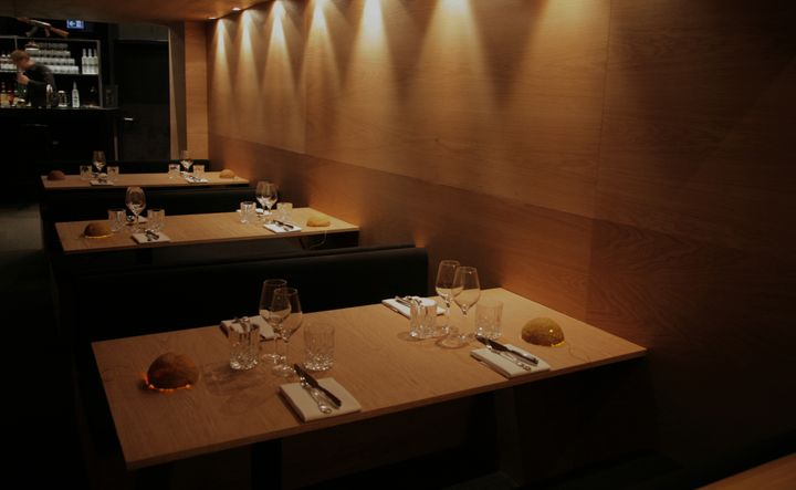 congo-restaurant-by-waauw-studio-05