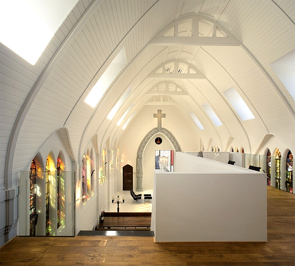 church-living-zecc-architecten
